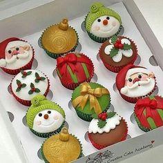 Ideias fofas do IG @umbocadinhodeideias de Cupcake para o #Natal  #BlogQueridaData #QueridaData #BeijoTriplo  By @minicupcakes