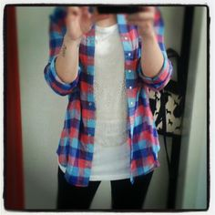 #Look do dia da @Mariana Lafrance siebert com camisa xadrez @Marché Lapin e shirt com caveira Marisa ;)