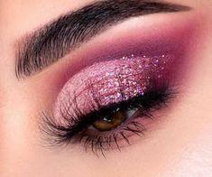 Glitter Makeup Looks, Makeup Eye Looks, Eye Makeup Art, Pink Makeup, Smokey Eye Makeup, Eyeshadow Makeup, Pink Smokey Eye, Party Makeup Looks, Glitter Eyeshadow