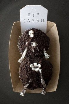 Skeleton Cupcakes | Edible Crafts | CraftGossip.com