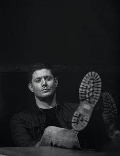 Jensen Ackles as Dean Winchester Supernatural Wallpaper, Supernatural Quotes, Supernatural Fandom, Sherlock Quotes, Supernatural Seasons, Sam E Dean Winchester, Winchester Brothers, Prince, Super Natural