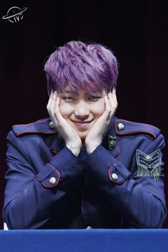 Purple bae is looking at mehhhh~~~
