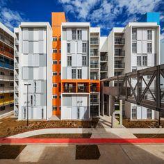 Construído pelo Biselli Katchborian Arquitetos na São Paulo, Brazil na data…