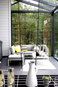 Sisustussuunnittelu, sisustusblogi, kodinsisustus, skandinaavinenkoti, sisustus, remontti, pintaremontti, valkoinen koti, inspiraatio, Patio Design, House Design, Outdoor Living, Outdoor Decor, Marimekko, Scandinavian Interior, Log Homes, Porch Swing, Architecture Design