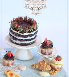 #miniature #food #minifood #chocolate #strawberry #cake #muffins #croissants
