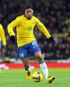 "Ronaldinho Ronaldo de Assis Moreira, commonly known as Ronaldinho or Ronaldinho Gaúcho, is a Brazilian footballer who plays for Mexican club Querétaro. His main playing position is as an attacking midfielder or forward. Wikipedia Born: March 21, 1980 (age 34), Porto Alegre, Rio Grande do Sul, Brazil Height: 5' 11"" (1.81 m) Full name: Ronaldo de Assis Moreira Current team: Querétaro F.C. (#49 / Midfielder)"
