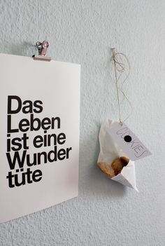 wundertüte Just Smile, Lovely Things, Spelling, Poetry, Mindfulness, Place Card Holders, Decoration, Bag, Quotes