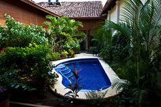 Hotel Casa Cubana Granada - Hotel pool and garden