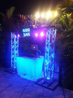 Dj Setup, Audio, Lights, Equipment Sound Barn Wedding Photos, Funny Wedding Photos, Vintage Wedding Photos, Wedding Dj, Table Wedding, Wedding Stage, Sport Bar Design, Dj Stand, Dj Table