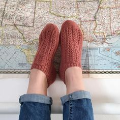 How cozy and sweet are these socks knitted and photographed by Instagram user @esthercarrera? In Quince & Co. Tern.