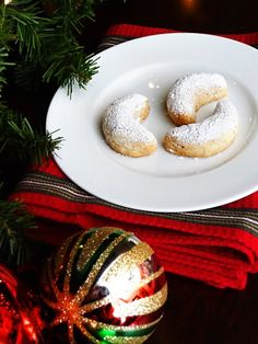 Swedish Crescent Cookies. This is and always will be Christmas at Gramma and Grampas house. LOVE LOVE LOVE <3