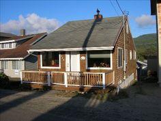 VRBO.com #240607 - Charming Family Beach Cottage. Cute, Clean & Close to Beach!