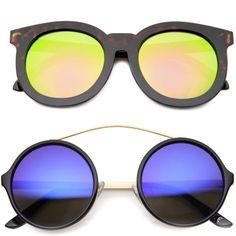 Un rayito de sol en las nuevas #gafasdesol de @regalizfunwear C/ Cano 5 #LasPalmas de #GranCanaria  http://ift.tt/1lUh2Zo  #bexclusive #befunwear