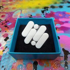 """Pierścionek """"My Pills"""" - białe pastylki w Szostkiewicz_Lukasz na DaWanda.com"""