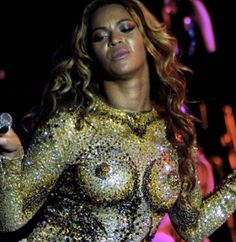 Beyonce's Nipple Costume . Mrs Carter Show World Tour 2013 Beyonce Images, Beyonce Pictures, Cosmopolitan, Celebrity Gossip, Celebrity Photos, Concert Wear, Beyonce Style, Beyonce Body, Mrs Carter