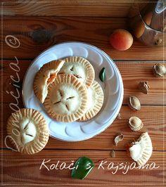 Kolači s kajsijama 🍑🍑🍑 Apricot biscuits .... Jednostavni kolačići hrskave spoljašnosti i sočnog punjenja, koji su zamirisali kuhinju i niko im nije mogao odoleti 😍 #deserti #kajsije #keks #marelice #kolači #pecivo #pekara #desserts #apricots #biscuits #pastry #bakery #cakes #sweets #Food #ricetta #recipes #homecooking #serbian #homemade #foodphotography #foodbloggers #Goodfood #рецепты #blogger