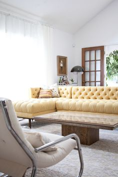 canapea ridicata + lemn