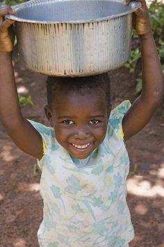 Trẻ em thân thiết tại Malawi