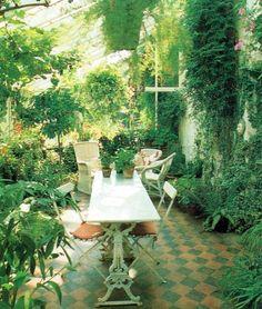 conservatory style decor | Victorian Style Houseplant Arrangement