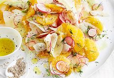 Kohlrabi-Radieschen-Orangen-Salat mit Dille und Sesam