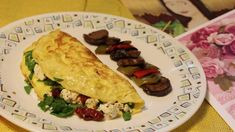 Check out this recipe! Cheese Omelette, Omelette Recipe, I Chef, Stuffed Mushrooms, Stuffed Peppers, Fresh Basil Leaves, Breakfast Menu, Thing 1, Tomato Basil