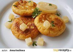 Placičky z bramborové kaše plněné tvarůžkem recept - TopRecepty.cz