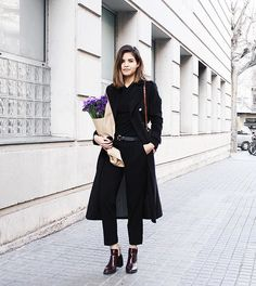 Longing for Spring in total black  #ootd