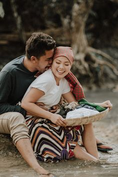 This Couple's Engagement Shoot Depicts the Simple Filipino Life and We Love It! Country Engagement Pictures, Engagement Photo Poses, Engagement Photo Inspiration, Engagement Shoots, Fall Engagement, Engagement Photography, Barong Wedding, Filipiniana Wedding Theme, Prenup Photos Ideas