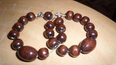 wood Recycled Glass, Bones, Beaded Bracelets, Wood, How To Make, Jewelry, Armadillo, Jewlery, Woodwind Instrument