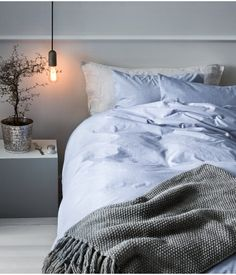 Duvet Cover Set In Woven Cotton Chambray Fastens At Foot