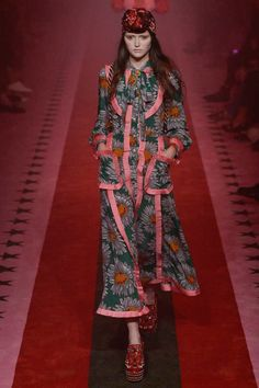 Gucci Spring 2017 Ready-to-Wear Collection Photos - Vogue
