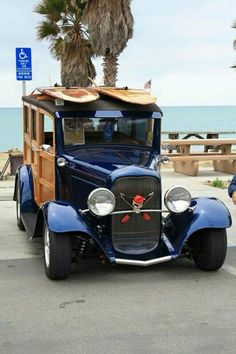 1932 Ford Woody at Doheny Beach 2015 Ford Classic Cars, Classic Trucks, Station Wagon Cars, Surf Rods, Woody Wagon, Vanz, Classic Hot Rod, Sweet Cars, Vintage Trucks
