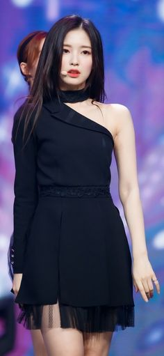 #arin Kpop Girl Groups, Kpop Girls, Beautiful Asian Girls, Most Beautiful, Rapper, Arin Oh My Girl, Girls Secrets, Secret Garden Coloring Book, Stage Outfits