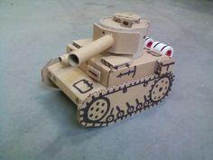 Czołg wykonany z kartonika po zasilaczu i tub papierowych. TANK RECYKLING MODEL DIY