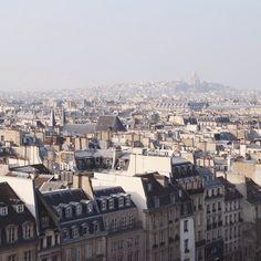 # Point pic pollution  Audrey Leroy's Instagram: http://instagram.com/p/lcFcyNDby1/  #instagram #paris #lestoitsdeparis #centrepompidou