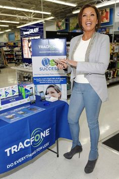 Success is Calling: TracFone and Dress for Success Team Up to Empower Women « Miss A® | Charity Meets™ Style.