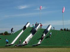 호주 시드니에서 Blaxland 리버 사이드 공원 JMD 디자인의 발명품이다. 세련된 놀이터의 크기는 거의 1천피트이며, 터널, 큰 등반…