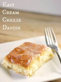 This Easy Cream Cheese Danish is an easy and delicious breakfast recipe made with canned crescent rolls, vanilla, cream cheese and sugar!