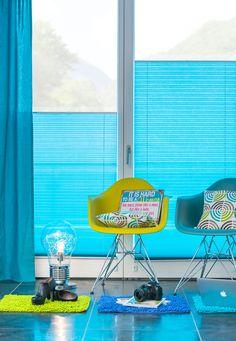 niebieskie plisy - nie bój się kolorów - żywe kolory - nowoczesne aranżacje - plisy