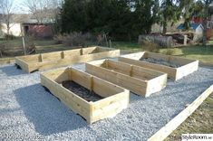 Raised Vegetable Garden Beds Can Be A Great Gardening Option – Handy Garden Wizard Vegetable Garden Planner, Veg Garden, Vegetable Garden Design, Fruit Garden, Organic Gardening, Gardening Tips, Raised Garden Bed Plans, Garden Planning, Garden Projects