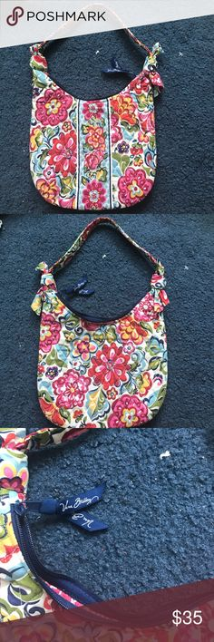 A small purse by Vera Bradly A patterned Vera Bradly purse. In perfect condition Vera Bradley Bags Shoulder Bags