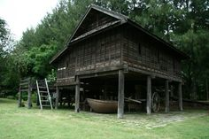 Jim Thompson Farm Timber Architecture, Vernacular Architecture, Thai House, Architect Drawing, House On Stilts, Farm Stay, Wooden House, Construction Materials, Beautiful World