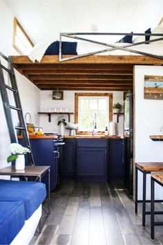 Pictures inside tiny houses - lots of pictures of tiny houses inside and out #tinyhouses #insidetinyhouses #diyhomedecor