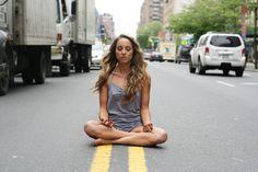 8 tips para ganarle al estés y a la tensión mental que suelen ocurrir en los grandes embotellamientos urbanos