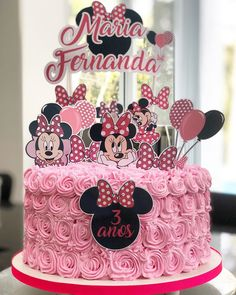 95 cute photos + step by step for a funny festa - Birthday FM : Home of Birtday Inspirations, Wishes, DIY, Music & Ideas Bolo Minnie, Minnie Cake, Mickey Mouse Cake, Minnie Mouse Cake Topper, Mickey Cakes, Pink Minnie, Pretty Birthday Cakes, Baby Birthday Cakes, Mickey Mouse Birthday
