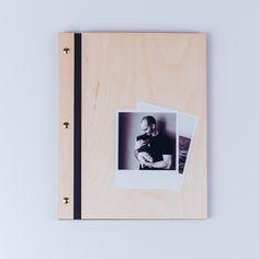 Vytvořte si krásné rodinné fotoalbum! Magazine Rack, Storage, Furniture, Home Decor, Pictures, Photograph Album, Purse Storage, Decoration Home, Room Decor