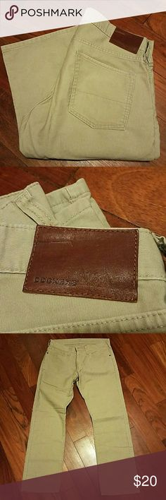 "Dockers Khaki Jeans (32x30) Dockers khaki jeans. 100% cotton. Worn once. 32""x30"". Pen mark near right front pocket  (see picture). Otherwise in good condition. Dockers Pants Chinos & Khakis"