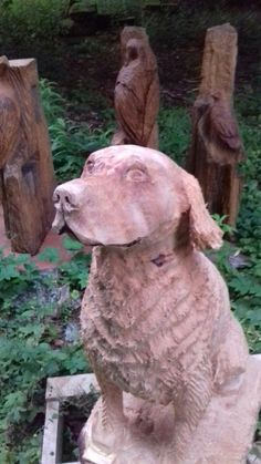 Chainsaw carved retriever