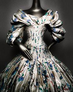Alexander McQueen (British, 1969–2010). Dress, autumn/winter 2006–7. Cream and polychrome silk jacquard. Courtesy of Alexander McQueen | Photography © Platon #ChinaLookingGlass #AsianArt100