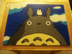 Cuadro de Totoro hecho con Hama Beads